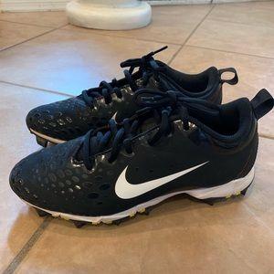 Nike women's softball Cleats shoes size 7.5 black